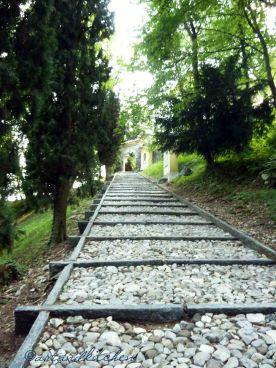 Tremona path