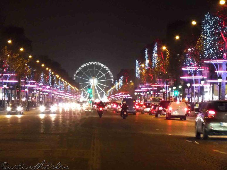 Champs-Élysées in Paris 2012 Advent