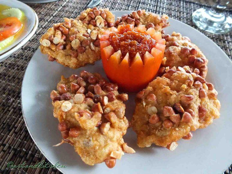 Ayam Goreng Balut Kacang