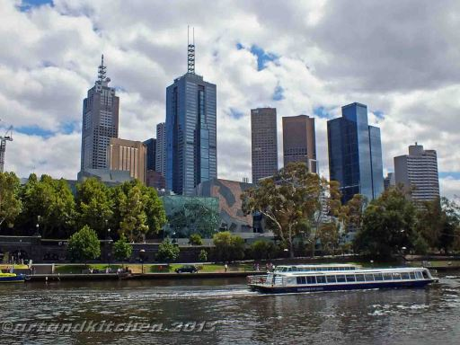 Melbourne and Yarra river 2