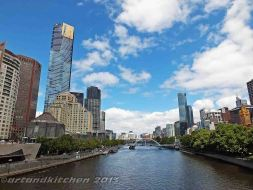 Melbourne and Yarra river 3