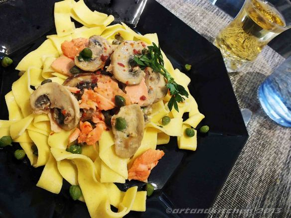 Noodles With Smoked Salmon and Mushrooms