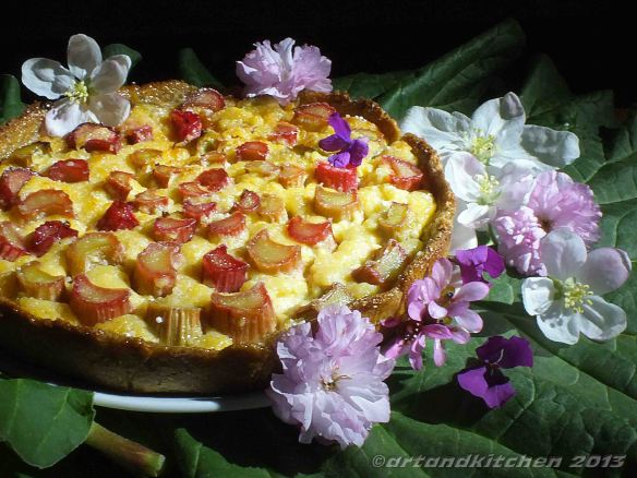 rhubarb tart with fresh cheese
