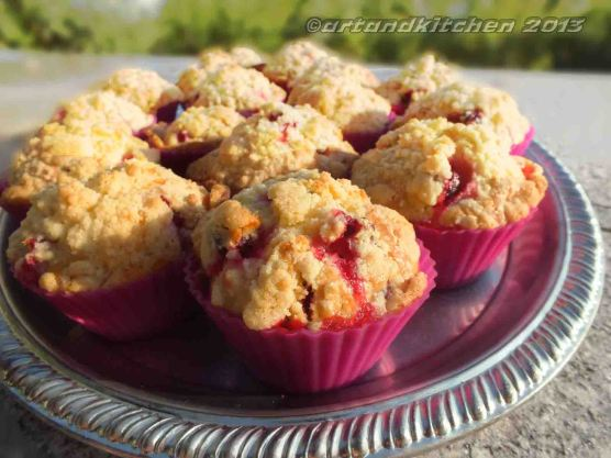 Jostaberry Muffins With Crumbles 3