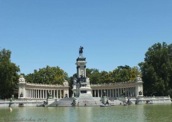 Madrid Retiro Park Lake 2