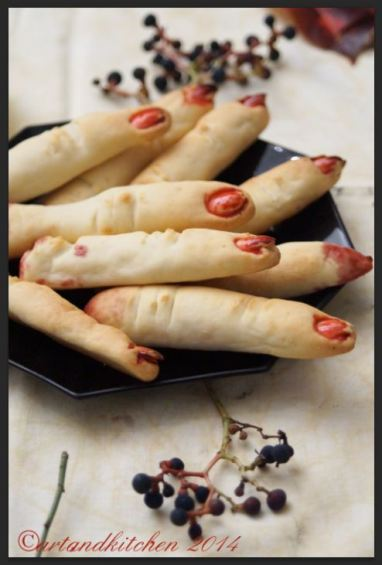 Cheesy Witch Fingers