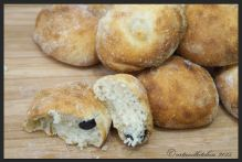Pucce alle Olive – Italian Bread Rolls with Olives 2