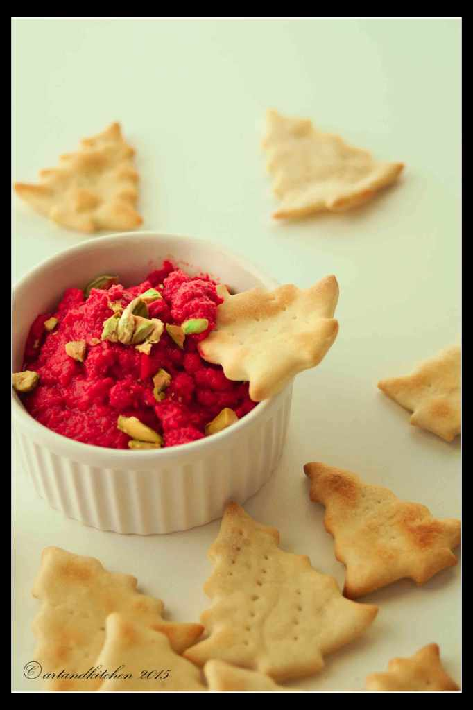 Homemade-Crackers-with-Roasted-Beet-and-Chickpeas-Hummus