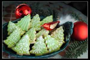 Tea-Flavored-Christmas-Tree-Cookies