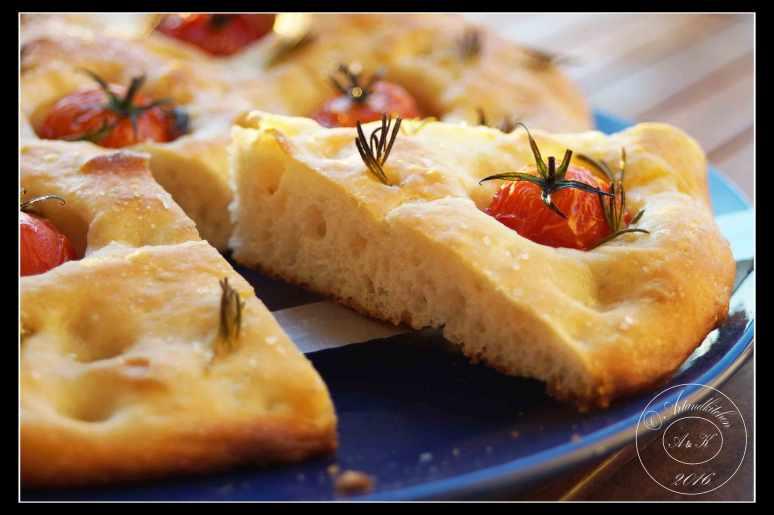 Focaccia-ai-Pomodorini-con-Pasta-Madre-1