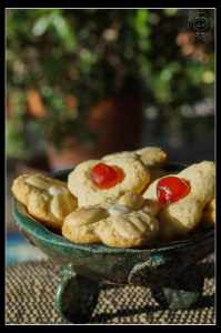 cherry-and-almond-flower-cookies-1