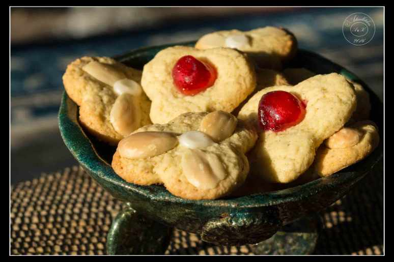 cherry-and-almond-flower-cookies-2